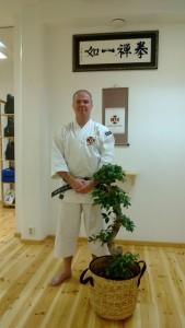 Bilde på Anders-sensei tagen vid uppvaktning i samband med hans gradering till 6:e dan.