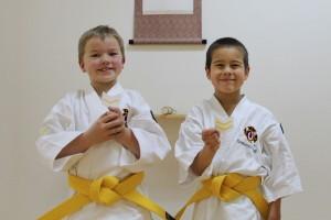Olle och Musashi med sina nya bukai sodesho