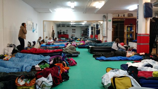 Efter Lisebergsbesöket var nog de flesta trötta - det blev fort tyst i lokalen när ljuset släcktes.