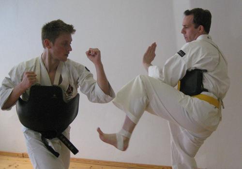 Arnaud tränar med Carl.