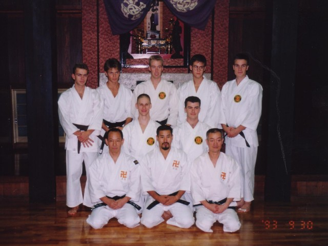 Swedish kenshi in Hombu dōin in 1993. At the front sits Arai sensei, Kawashima sensei and Yamasaki sensei, directly behind them are Åke and Anders. At the far right in the back row is Pontus Liljequist.