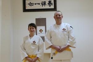 Simon och Mattias graderade till yonkyū