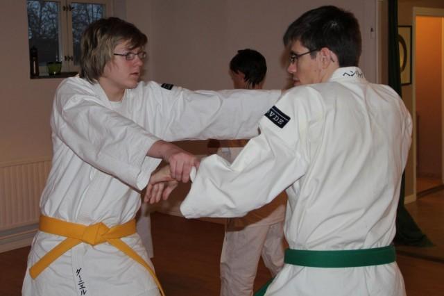 Daniel tränar med Henrik från Skövde