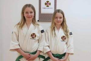 Filippa och Tindra efter sin gradering till sankyu i maj 2012