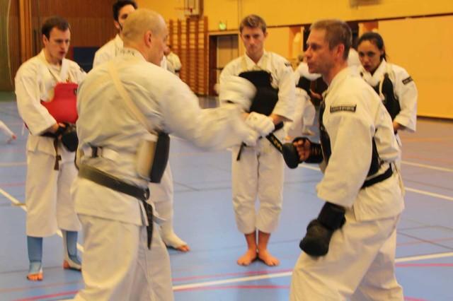 Åke from Karlstads Studenter teaching