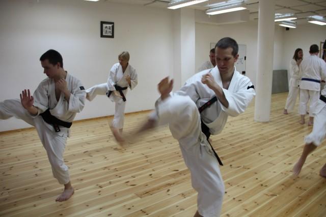 Träning av tan'en hōkei för yūdansha (svartbälten)