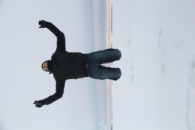 James gör ett jättehopp på Vänerns is