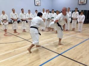 Anders-sensei undervisar på läger i England
