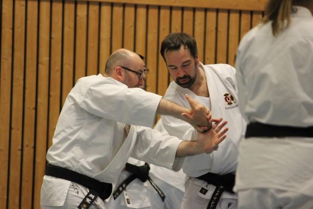 Laurent från Frankrike tränar med Alexander från Ryssland