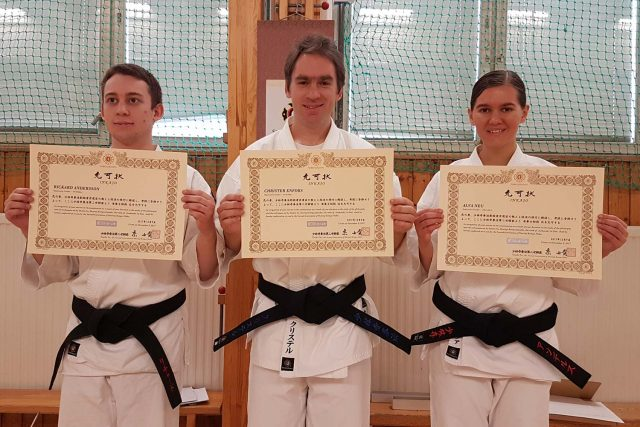 From the left; Rickard, Christer and Alva with their inkajō for Junkenshi Shodan (1 dan).