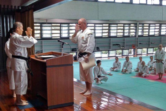 Anders receives inkajō for Junhanshi from Kawashima-sensei.